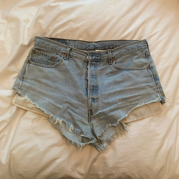 Vintage Levi's shorts via Urban Outfitters